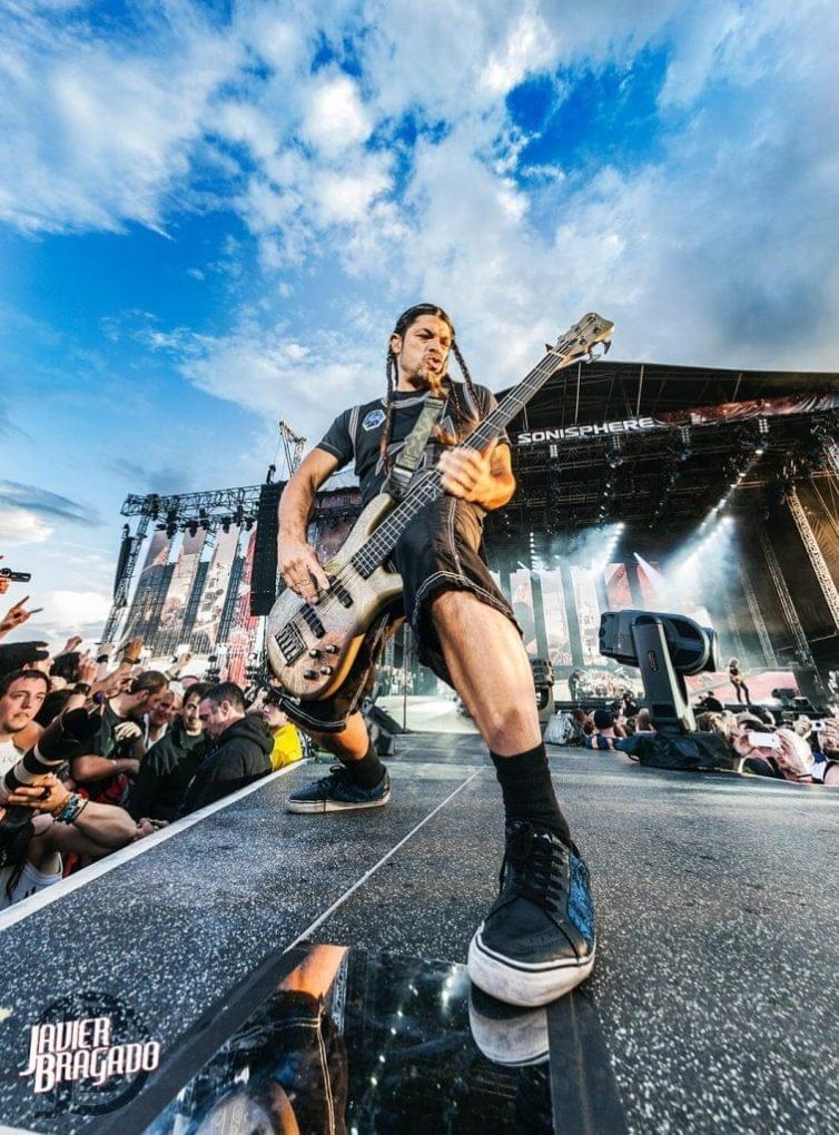 Robert Trujillo Metallica Sonisphere UK 2014